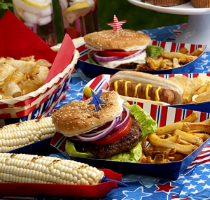 Lighten up your Fourth with tasty, healthy grilling tips.