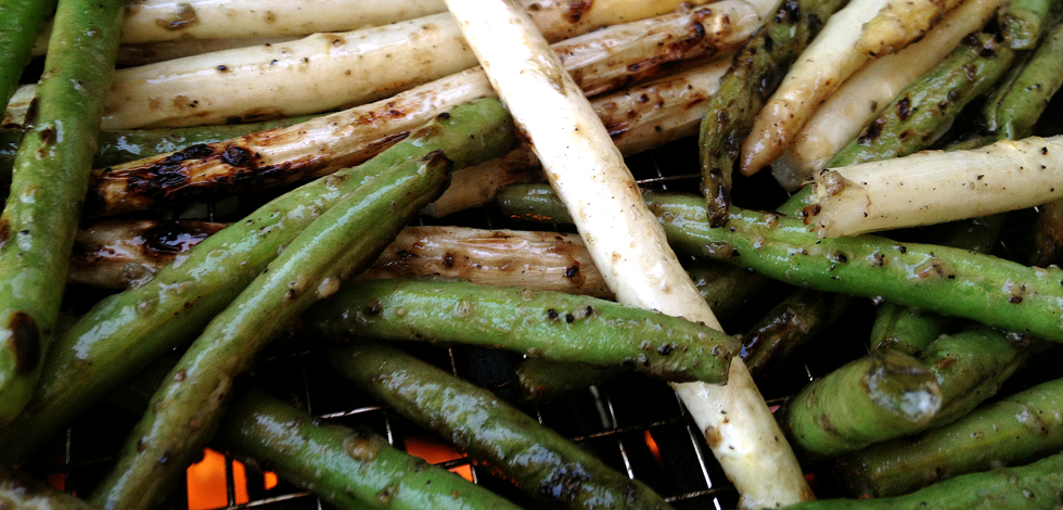 Grilled Green Beans And White Asparagus A Perfect Side Grillax
