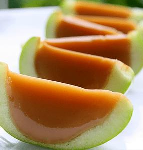 Caramel Apple Jello Shots via http://thatssomichelle.com