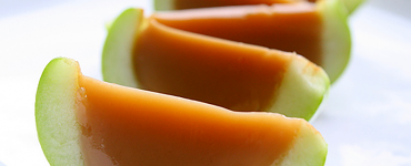 Caramel Apple Jello Shots via http://thatssomichelle.com